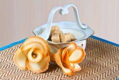 Цветет печенья на салфетке Стоковое Фото