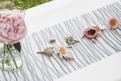 Цветет установка украшения установок внешняя для wedding с цветком покрашенным пинком Стоковое Изображение