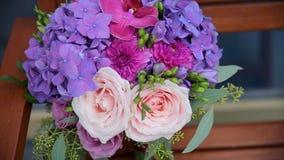 цветка dof букета розы пункта центрального фокусные низкие wedding Букет ` s невесты на день свадьбы цветки букета различные Буке Стоковое Изображение RF