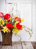 Цветки весны в вазе Стоковое Изображение