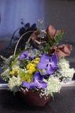Цветки в корзине Стоковая Фотография