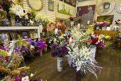 Цветки в рынке Стоковые Фотографии RF