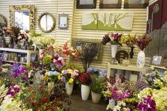 Цветки в рынке Стоковая Фотография RF