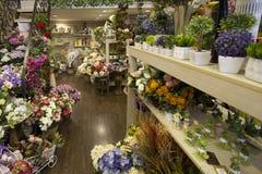 Цветки в рынке Стоковое Изображение