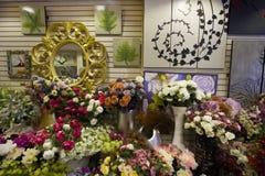 Цветки в рынке Стоковое Фото