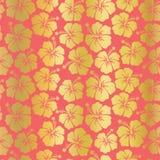 Цветки гибискуса сусального золота на картине вектора предпосылки коралла безшовной Цвет тенденции Флористический женственный фон иллюстрация вектора