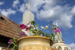 Цветки и дымовая труба выживания Стоковые Фото