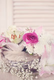 цветки корзины изолировали белизну Стоковое Изображение