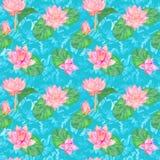 Цветки лотоса розовые и листья и курчавые волны воды, безшовный дизайн картины, рука покрасили акварель на яркой сини Стоковые Фото