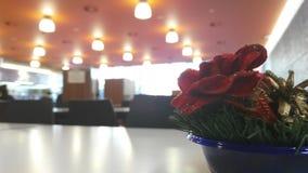 Цветки на таблице буфета Стоковые Фото