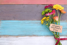 Цветки подарка дня матерей Стоковое Изображение RF