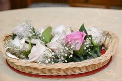 Цветки свадьбы в корзине Стоковая Фотография RF