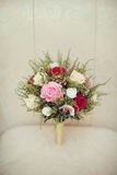 Цветки свадьбы и красивое украшение колец Стоковая Фотография