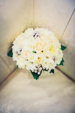 Цветки свадьбы и красивое украшение колец Стоковая Фотография RF