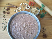 Цветки kalanchoe торта клюквы с варить Мелиссы стоковые изображения rf