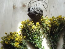 Цветки wort ` s St. John в букете Стоковое Фото