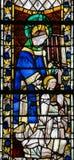 Цветное стекло в соборе Руана - St Laurence стоковое фото