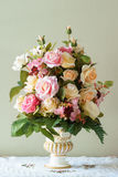 Цветок букета в вазе Стоковые Изображения RF
