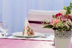 Цветок на таблице Стоковая Фотография RF