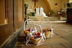 Цветок свадьбы в церков Стоковые Фото
