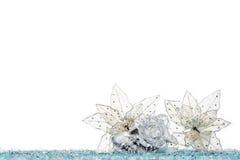 Цветок украшения рождества на снеге, изолированном на белизне Стоковые Фото