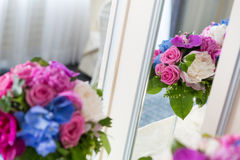 Цветочная композиция украшения ресторанного обслуживании Стоковое Фото