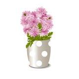 Цветочный горшок с розовыми хризантемами Стоковые Изображения RF