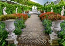Цветочный сад и римское искусство на холме Khao Kho стоковые изображения rf