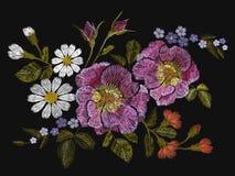 Цветочный узор вышивки красочный с розами собаки и забывает меня не цветки Vector традиционный фольклорный орнамент моды на черно Стоковые Фото