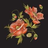 Цветочный узор вышивки красочный с цветками мака Стоковые Изображения RF