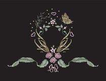 Цветочный узор вышивки с бабочкой, сердцами и цветками Стоковая Фотография RF