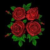 Цветочный узор тенденции вышивки этнический с красными розами Стоковые Изображения