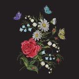 Цветочный узор тенденции brigth вышивки с бабочкой Стоковое фото RF