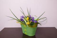Цветы Желтый букет тюльпана и радужки Стоковое Изображение RF