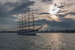 цветы крася воду корабля моря sailing Стоковые Изображения
