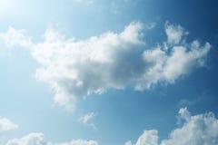 Цвет голубого неба с фото предпосылки облаков Стоковая Фотография