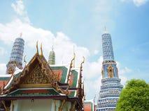 Цвет золота старого павильона с голубой пагодой от Таиланда Стоковое Изображение RF