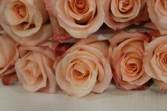 Цвет лежа на таблице, конец-вверх розового bouguet мягкий розовый Acro m Стоковая Фотография
