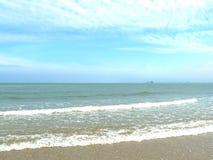 Цвет моря и красивого голубого неба Стоковые Изображения RF