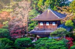 Цвет осени на виске Ginkakuji, Киото Стоковая Фотография