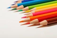 цвет предпосылки покрасил изолированные карандаши карандаша белым Стоковое Изображение