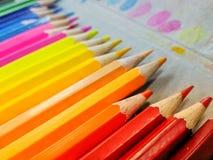 цвет предпосылок изгибает листья Стоковое Изображение RF