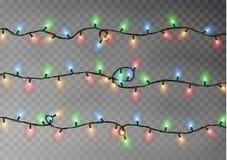 Цвет рождества освещает строку Прозрачное украшение влияния изолированное на темной предпосылке реалистическо иллюстрация штока