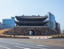Цвет Сеула ворот Namdaemun стоковое фото rf