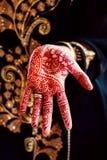Цвет традиции искусства тела татуировки руки хны Стоковая Фотография
