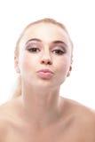 целовать детенышей женщины портрета Стоковое фото RF