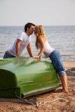 целовать пар пляжа красивейший Стоковое Фото