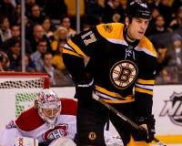 Цена Монреаль Canadiens Carey и милан Lucic, Топтыгины Бостона стоковое фото