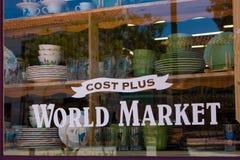 Цена плюс магазин Стоковая Фотография
