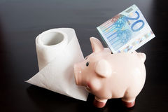 Цена туалетной бумаги стоковые фото